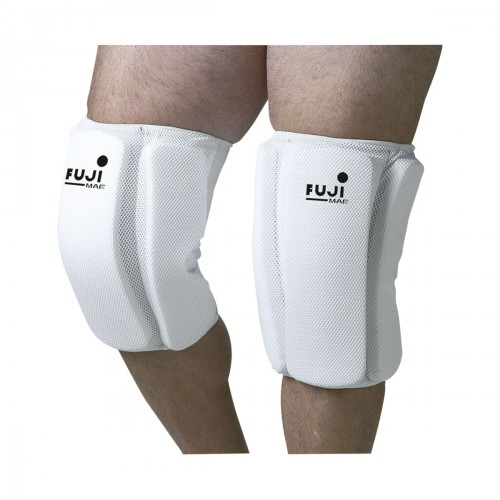 Kyokushinkai Knee guard. Lateral protections.