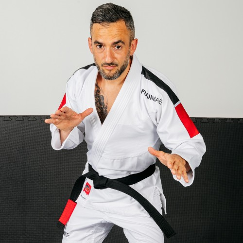 Training Brazilian Jiu Jitsu Gi